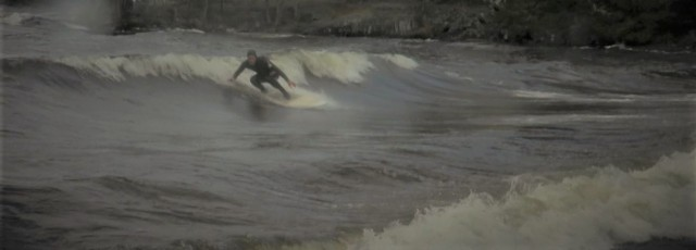 Surfing the new spot in Finland