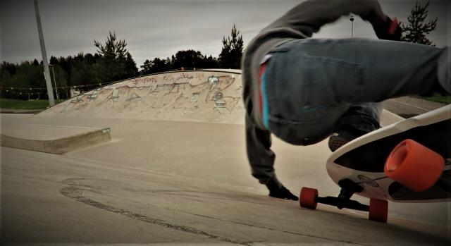 Surf skate bert fins free.png