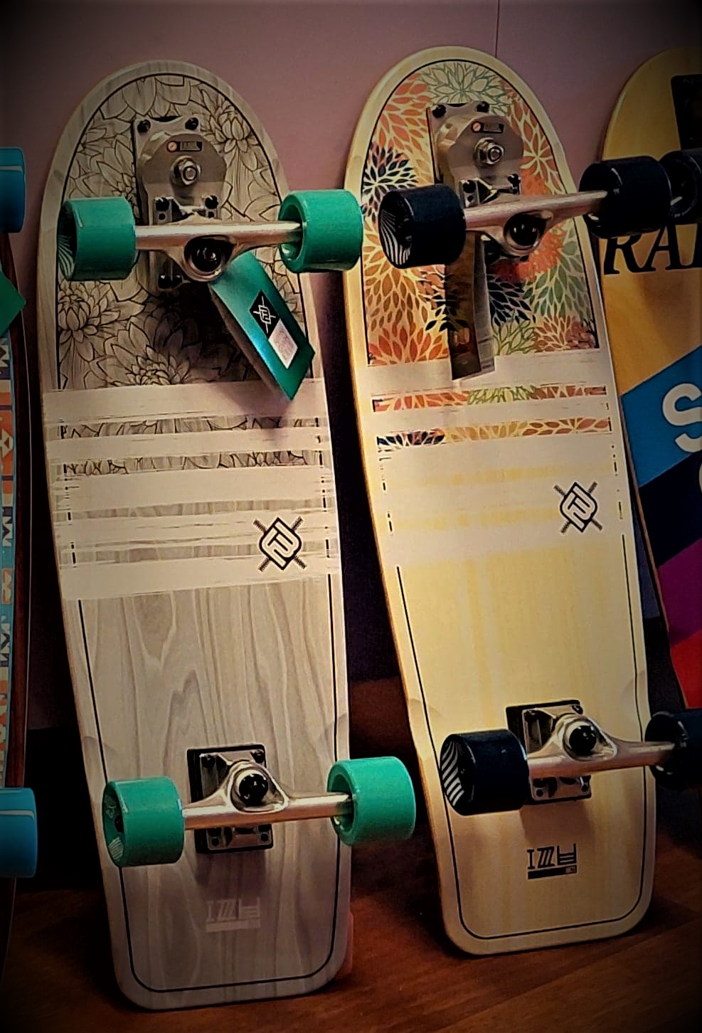 FW Surfskates 30 Hydrangea & Lotus
